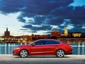 Ford Mondeo 2015 в красном оттенке