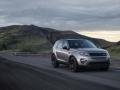 Land Rover Discovery Sport 2015 на дороге