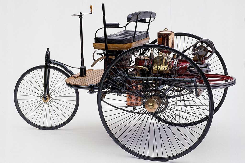 Первое авто в мире