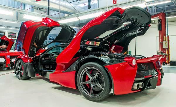 Ferrari LaFerrari Spider - сборка на заводе