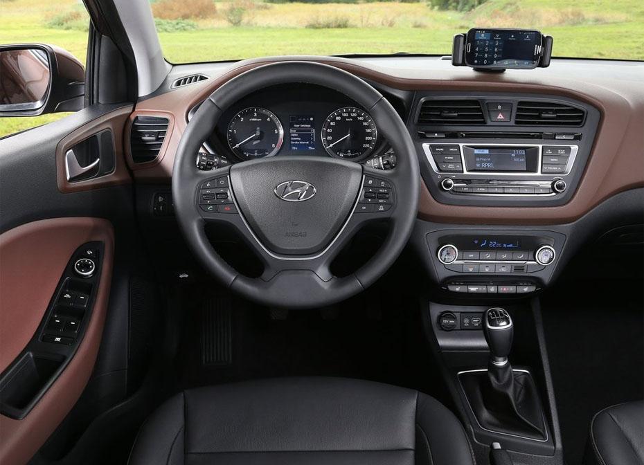 Салон автомобиля Hyundai i20