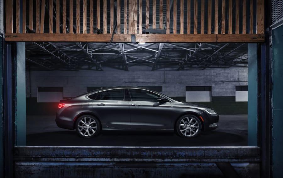 Экстерьер автомобиля Автомобиль Chrysler 200