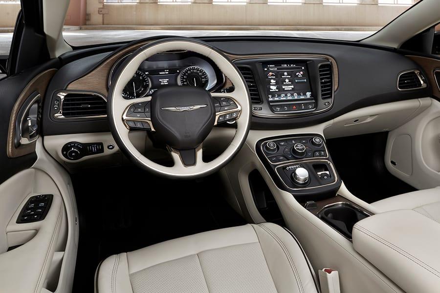 Руль, панель приборов Автомобиль Chrysler 200 2015 года
