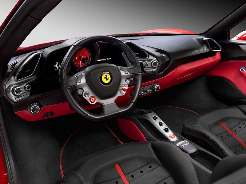 Интерьер автомобиля Ferrari 488 GTB