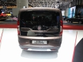 Fiat Doblo Trekking вид сзади на выставке в Женеве